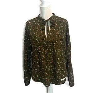 Abercrombie & Fitch green Floral Long Sleeve Shirt